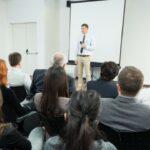 Lampenfieber überwinden, Angst besiegen: 10 Tipps zu Nervosität und wenn die Stimme versagt