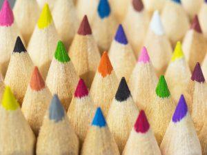 Stifte und Kugelschreiber gehören nach wie vor zu den beliebtesten Werbegeschenken der deutschen Unternehmer. Was es über den Preis hinaus zu beachten gilt, zeigt Ihnen unsere Checkliste in diesem Artikel.