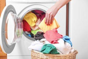 Nicht alles auf einmal. Sollte schon drauf achten die Hemden richtig zu waschen, sonst hat man nicht lange Freude dran
