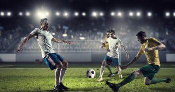 Diese Fussballer stehen noch mitten im Berufsleben, nur wie schnell es mit dem Profisport vorbeisein kann, weiß wohl Jeder