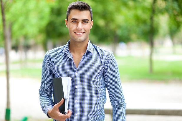 Die Studie zeigt, dass in diesen drei Ländern ein Master- bzw. Diplomabschluss wesentlich beliebter bei Unternehmen ist als ein Bachelor bzw. promovierte Absolventen. (#03)