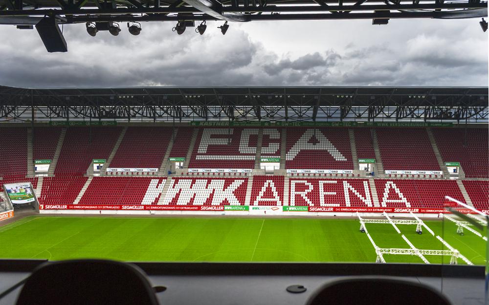 Sehen wir die Digital Backdrops bald auch in der Bundesliga? Der FC Augsburg wäre ein möglicher Kandidat. (Bild 3)