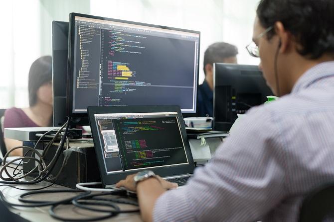 Wer auf der Suche nach der perfekten Softwarelösung für den B2B Bereich ist, der hat eine riesige Auswahl an potenziellen Möglichkeiten zur Verfügung. (#01)