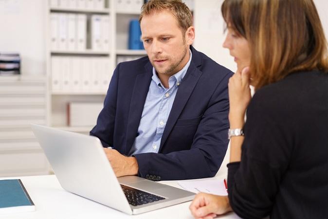 Wer als Unternehmer einen Mitarbeiter einstellt, muss sich in jedem Fall vorab Gedanken machen, wie viel er eigentlich bereit ist zu zahlen. (#01)