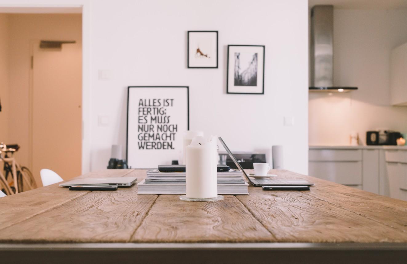 Viele Gründer sind von plötzlich auftauchenden nKosten für die ENtworgung von Asbestplatten unangenehm überrascht. Das Vermächtnis der Siebziger sorgt heute noch sehr oft für Unmut. (#1)