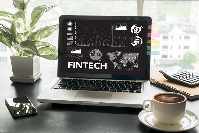FinTech ist keine Erfindung der letzten Jahre, sondern tatsächlich gab es diese finanziellen Technologien schon seit mehreren Jahrzehnten - allerdings damals, ohne dass sie größere Aufmerksamkeit erlangt hat. (#02)