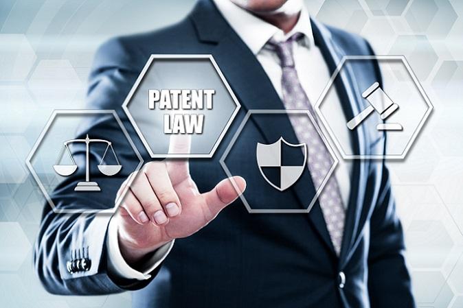 Vertraut man bei der Patentanmeldung auf die Erfahrung eines Patentanwalts, so bringt dies erhebliche Vorteile mit sich. Der Patentanwalt ist Experte auf diesem Gebiet und wird sich mit seinen Fachkenntnissen dafür einsetzen, dass das Patent möglichst sicher und damit die Erfindung besser geschützt ist. (#03)