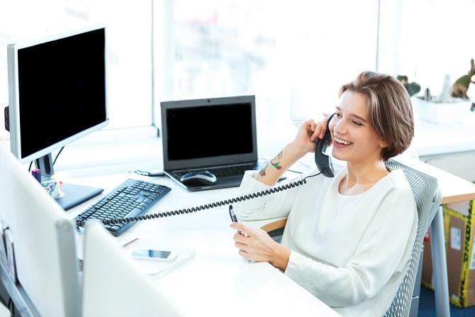 Moderne Kommunikationstechnik ist heute in jedem Unternehmen ein Muss! Dazu müssen Sie sich zwischen klassischen DSL- und ISDN-Anschlüssen oder einem kombinierten DSL-Anschluss mit Telefonie oder einem Internetanschluss über einen Kabelanbieter entscheiden. (#05)