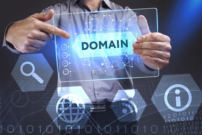 Schon im Jahre 2008 sah Unister-Boss Thomas Wagner das Potenzial der Domain und kaufte den Online-Kreditvergleich für 892.500 Euro. So hohe Summen war man bisher nur von Domain-Deals aus den Vereinigten Staaten gewohnt. (#03)