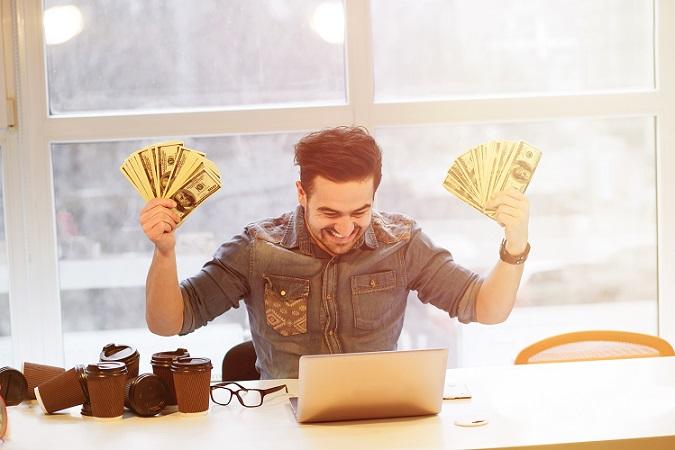 Ja, es gibt sie. Die Zocker, die an der Börse handeln und spekulieren, riskante Deals eingehen, viel verbraten haben und am Ende noch mehr gewonnen haben und zu Millionären wurden. (#01)