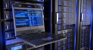 Bei der Wahl des richtigen Hosting-Angebots ist ein Gründer schnell überfordert. Bei der Frage, ob der künftige Webserver ein Root-Server, Managed-Server oder Cloudserver werden soll, bildet tatsächlich nur eine einzige Facette des vielfältigen Themas ab. Den eigenen Bedarf an Leistung abzuschätzen ist sicher ebenso schwer wie die Prognoe der Geschäftsentwicklung des StartUps. Auch der Umfang des im StartUp bereitgestellten Inhouse-Know-Hows ist schwer zu ermitteln. Welche Mitarbeiter werden bereit stehen, schnellen Service zu bieten? Welche Skills werden benötigt? Welche SLAs werden vom StartUp benötigt? (#2)