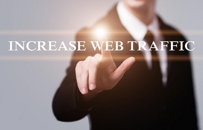 Damit eine Internetseite von möglichst vielen Nutzern genutzt wird, muss sie gesehen werden. Dies ist ein Kreislauf, dem sich die Webseitenbetreiber immer gegenübergestellt sehen. Gerade zu Beginn kann es eine ganze Zeit dauern, bis die ersten Klicks generiert werden. (#02)