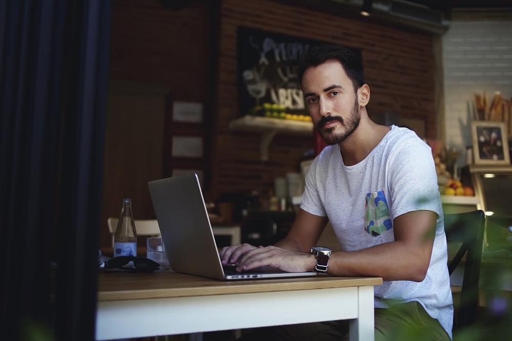 """In Deutschland boomen Start-ups, und ein Schritt zum Erfolg liegt in der Wahl der richtigen Cloud. Denn es ist mehr eine Frage, """"welche"""", und nicht, """"ob"""" Jungunternehmer eine Speicherung ihrer Daten im Internet mit in ihr Konzept aufnehmen sollten. (#01)"""
