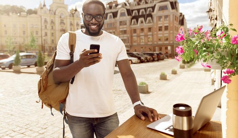 Anscheinend handelt es sich beim digitalen Nomadentum um eine Arbeitsform mit vielen Vorteilen, denn ansonsten würden sich nicht so viele Menschen für solch ein Leben interessieren. Auch wenn digitale Nomaden alle individuell und unterschiedlich sind, haben sie eine gemeinsame Eigenschaft. (#02)