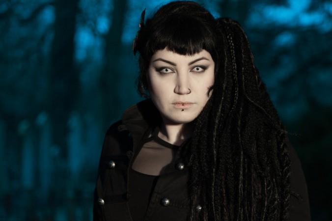 Gothic-Anhänger sind bekannt für ihr oft schrilles Auftreten. Gerne auch mit speziellen Kontaktlinsen. (#1)