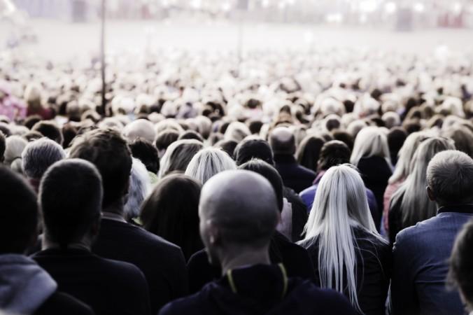 Wer keinen Internetshop eröffnen will, findet auch auf Musikfestivals ein großes Publikum um seinen Schmuck an den Mann zu bringen. (#4)