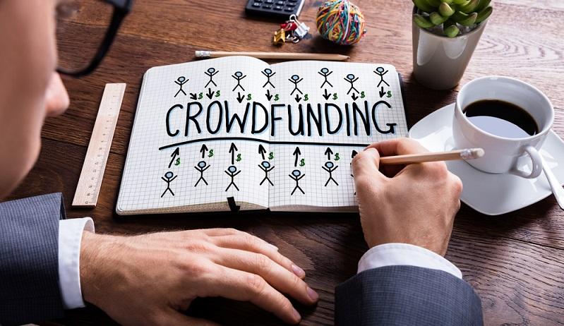 Das Crowdfunding hat sich in den letzten Jahren zu einer überaus beliebten Form der Finanzierung entwickelt. Dabei tritt hier nicht eine einzelne Person als Financier auf, sondern es beteiligen sich sehr viele Menschen. (#02)