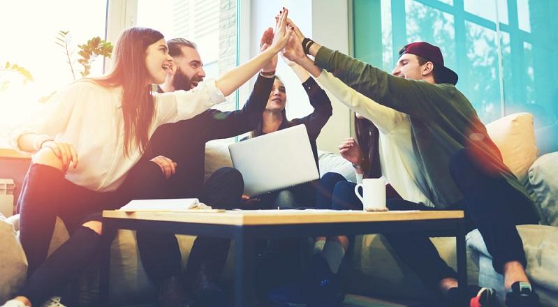 Wer sein Konzept auf ein langjähriges Wachstum ausgelegt hat, kann damit ebenso erfolgreich sein – oder sogar mehr als Start-up-Unternehmen, denn die Langfristigkeit der Idee spielt für den Erfolg eine nicht unerhebliche Rolle. (#02)