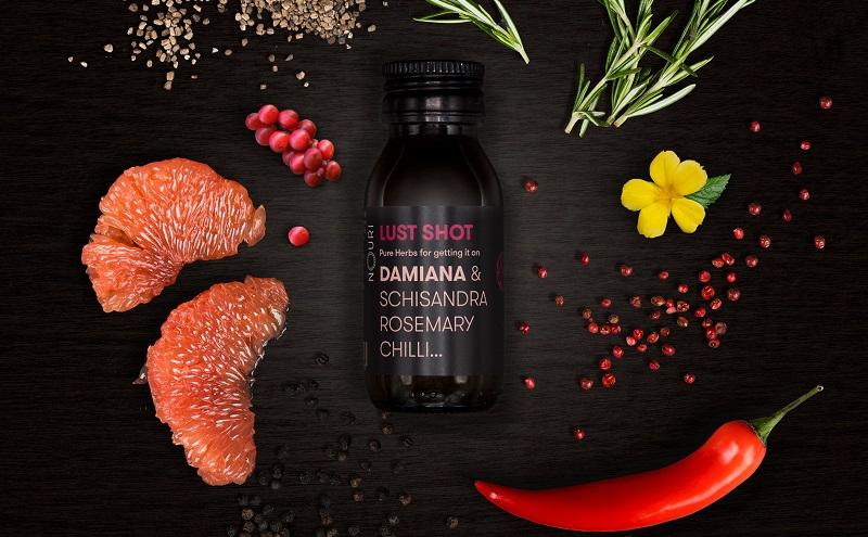 Nouri Getränk Lust: Es besteht unter anderem aus den aphrodisierenden Pflanzen Damiana, Kardamom und Chili. (#03)