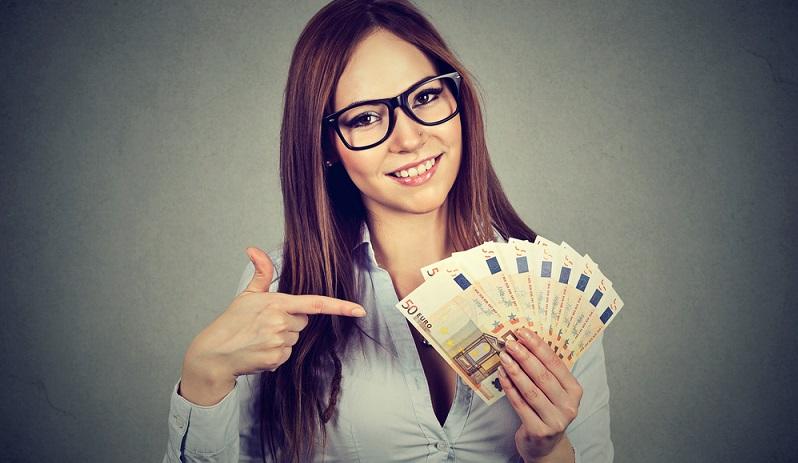 Der Arbeitgeber muss nicht nur die Abrechnung für die Zahlung von Löhnen und Gehältern erstellen, er muss auch die entsprechenden Beträge zur Zahlung anweisen. (#02)