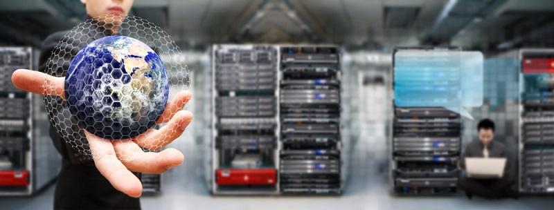 Mit einer ERP Software aus der Cloud lassen sich im IT-Bereich erheblich Kosten einsparen. Der Cloud-Provider stellt alle Anwendungen zur Verfügung. (#02)