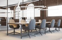Einrichtung von Meeting-Räumen und Ruhebereichen