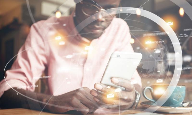 Mobile Datensicherheit ist verständlicherweise ein komplexes Thema. Denn neben verschiedenen Endgeräten arbeiten wir mit unterschiedlichen Betriebssystemen. Jede mobile Datennutzung stellt daher individuelle Sicherheitsansprüche.
