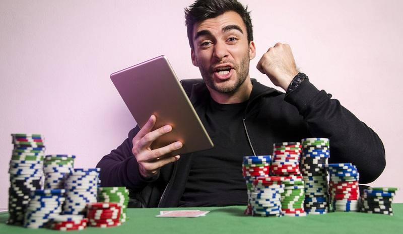 Eine komplette Durchleuchtung der spielenden Person dürfte mit den aktuell gerade wieder verschärften Regelungen zum Datenschutz kollidieren, außerdem wird ein Casino, das seine Spieler vor Spielzulassung ausspioniert, wohl kaum frequentiert werden. (#03)