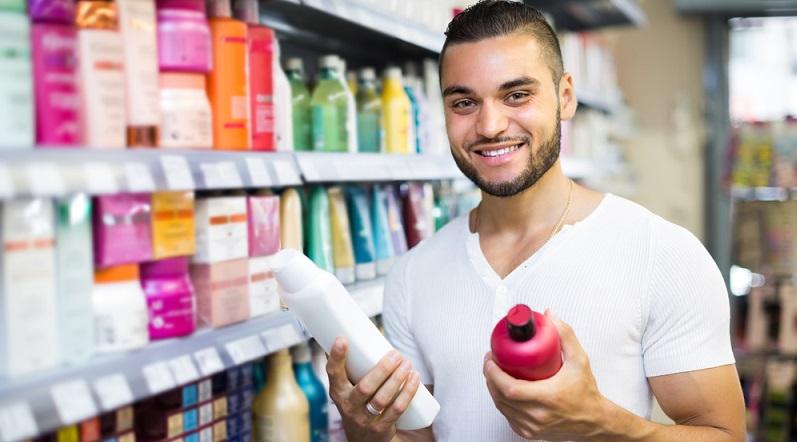 Die Kaufphase stellt den ersten Kontakt des Konsumenten mit dem Produkt dar. Häufig liegt der entsprechende Artikel dabei auf einem Warentisch aus oder ist in ein Regal eingeordnet. (#01)