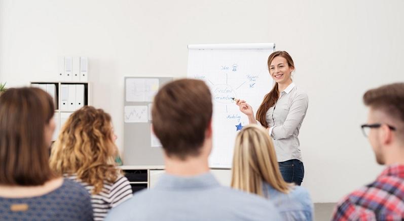 Auch Inhouse Schulungen haben teilweise Nachteile, die seitens des Arbeitgebers berücksichtigt werden müssen.