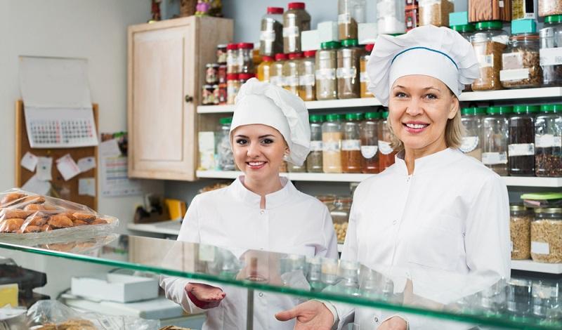 Das Spektrum an Berufen im Einzelhandel ist groß und auch Süßwarenverkäufer gehören zu dieser Branche. (#2)