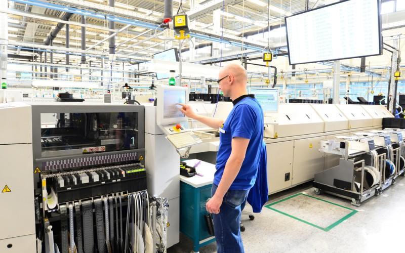 Anlagen und Maschinen lassen sich per Investitionskredit finanzieren. (#2)
