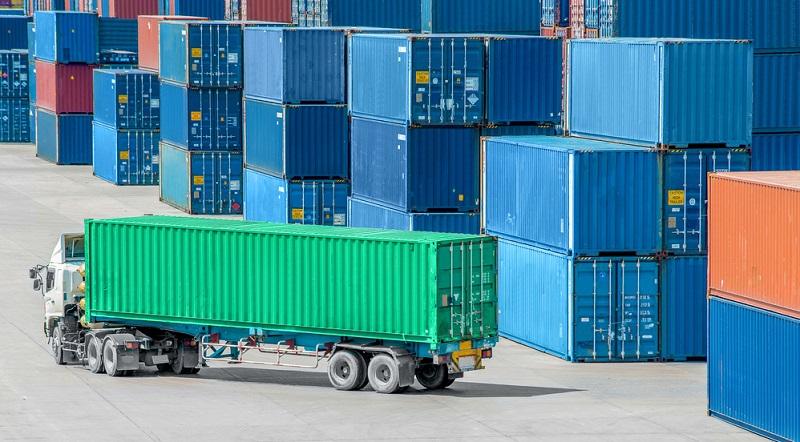 """Der """"klassische"""" LKW-Container: Für den Umzug oder allgemeine Warentransporte"""