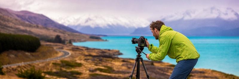 Ein anstrengender Arbeitsalltag will gut bezahlt werden, meinen die meisten. Doch wer Fotograf werden will, sollte sich dessen bewusst sein, dass das erst einmal ohne viel Geld geschehen wird.
