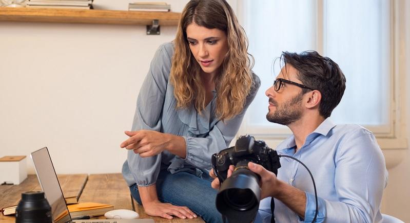 Die meisten Menschen, die Fotograf werden wollen, überlegen sich vorher schon, auf welchem Weg sie wohl am besten an Aufträge gelangen können und welche der diversen Möglichkeiten für angehende Fotografen für sie sinnvoll sein könnten.