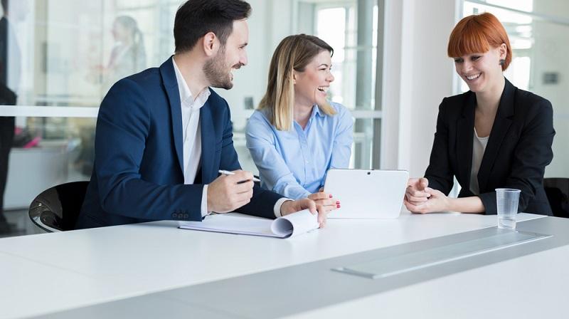 Wer freiberuflich arbeitet oder ein Unternehmen gründet, benötigt ein Geschäftskonto, auf das die Kunden Geld überweisen und von dem die Betriebsausgaben bestritten werden.
