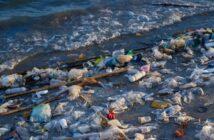 Der Drei Schlucht Staudamm erstickt im Müll
