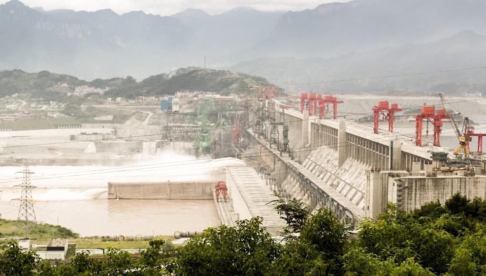 Das Prestige-Projekt des Drei Schlucht Staudamm war von Anfang an umstritten. Selbst im Nationalen Volkskongress war man nicht einstimmig dafür. (#2)