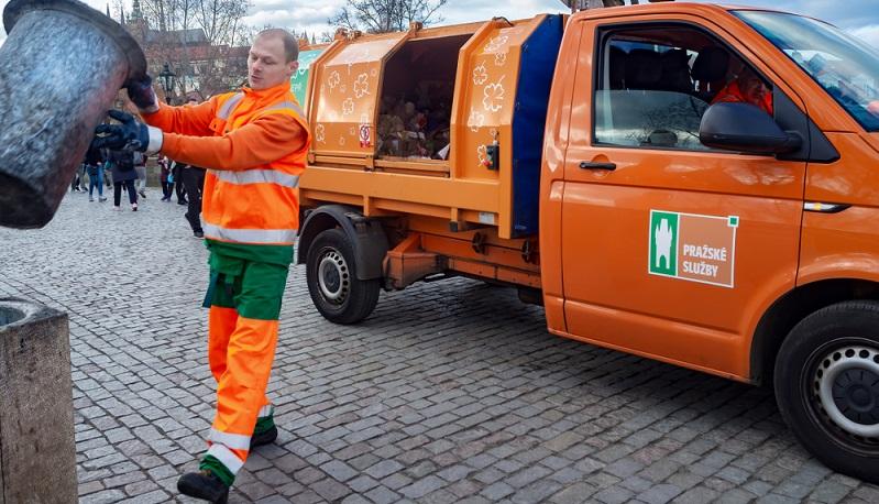 Reinigung, Umwelt, Müllentsorgung und Einbeziehen der Bürger sind Themen, mit denen sich die BSR tagtäglich auseinandersetzen.