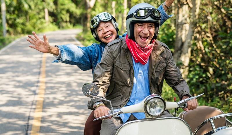 Platinnetz.de richtet sich zwar ebenfalls an Best Ager, dennoch ist die Zielgruppe eine andere. Dieses Portal wendet sich in erster Linie an Menschen zwischen 50 und 65 Jahren.