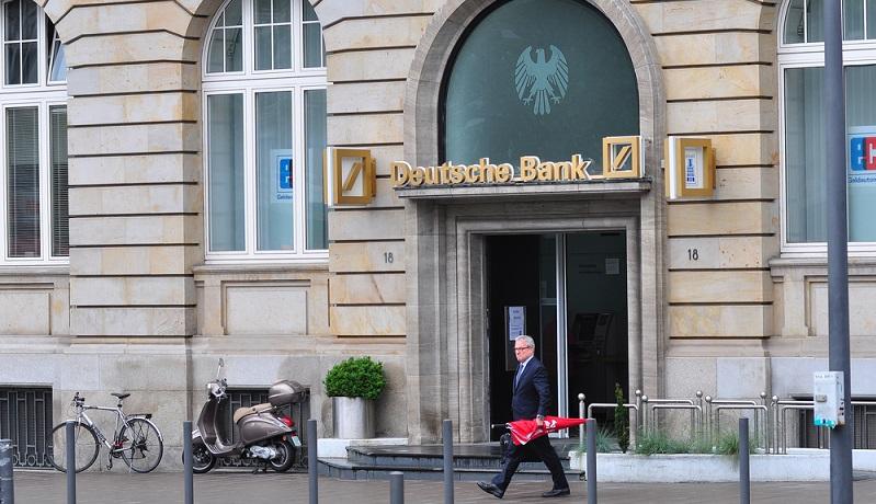 Das Angebot der Fyrst Bank ist wirklich interessant und es wird Selbstständigen und Freiberuflern ein Konto offeriert, mit dem sich das eigene Unternehmen auf finanztechnisch standhafte Beine stellen lässt. ( Foto: Shutterstock-_Vytautas Kielaitis)