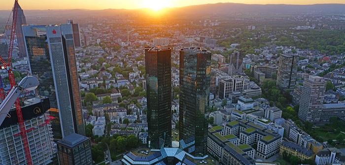 Fyrst: Bank oder Fintech? Das sollten Sie wissen! ( Foto: Shutterstock- EQRoy)