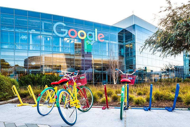 Mithilfe von Google Adwords soll ein bestimmtes Ziel erreicht werden, was wohl meist die Steigerung des Umsatzes und damit des unternehmerischen Gewinns sein dürfte. ( Foto: Shutterstock- Uladzik Kryhin )