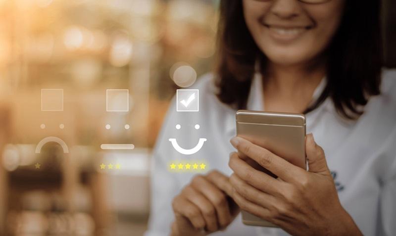 Dies ist der beste Moment, dem Kunden die Möglichkeit einzuräumen, seiner Zufriedenheit Ausdruck zu verleihen. ( Foto: Shutterstock-13_Phunkod )
