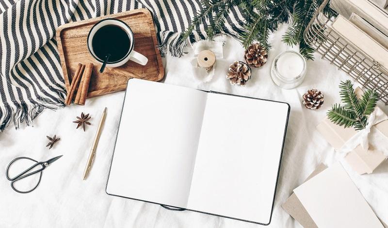 Ein Notizbuch wird immer gebraucht, damit liegt man niemals falsch. ( Foto: Shutterstock- TabitaZn)