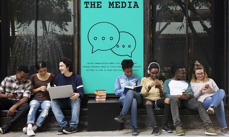 """Nicht umsonst wird Facebook gern als die """"Mutter der Social Media Plattformen"""" bezeichnet. ( Foto: Shutterstock-Rawpixel.com)"""