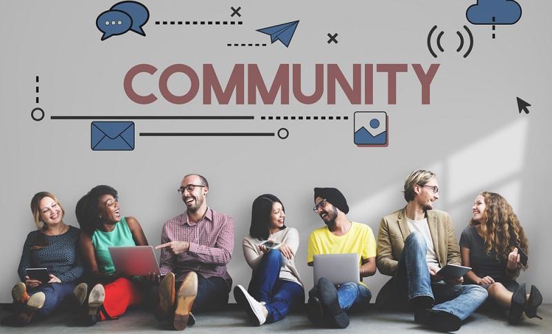 Social Media hat viele Gesichter und zeigt diese durch diverse Video-Plattformen. ( Foto: Shutterstock-Rawpixel.com)