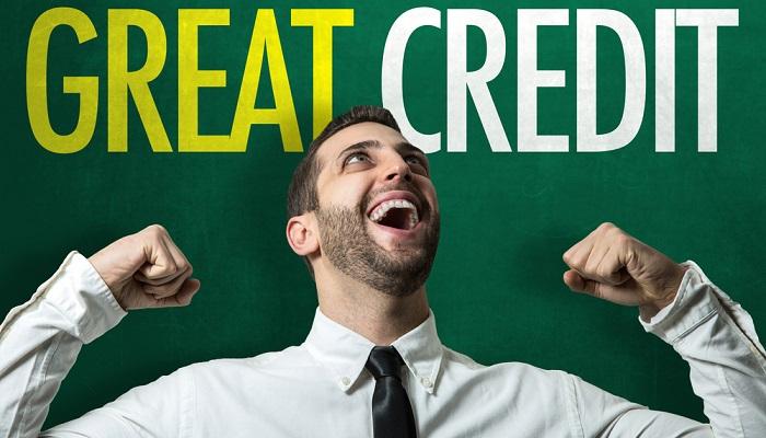 Eine gute Bonität erhöht die Chancen auf einen Onlinekredit. ( Foto: Shutterstock- Brasil Creativo )