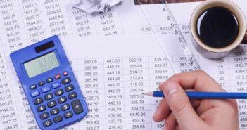 Was ist Soll und Haben? Definition, Bedeutung bei Konto und Buchhaltung, Buchungsbeispiel ( Foto: Shutterstock- Cozy Home_)