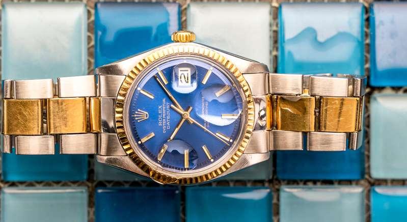 Wird die Rolex gebraucht angeboten oder handelt es sich um eine Fälschung? ( Foto: Shutterstock-  marino bocelli)